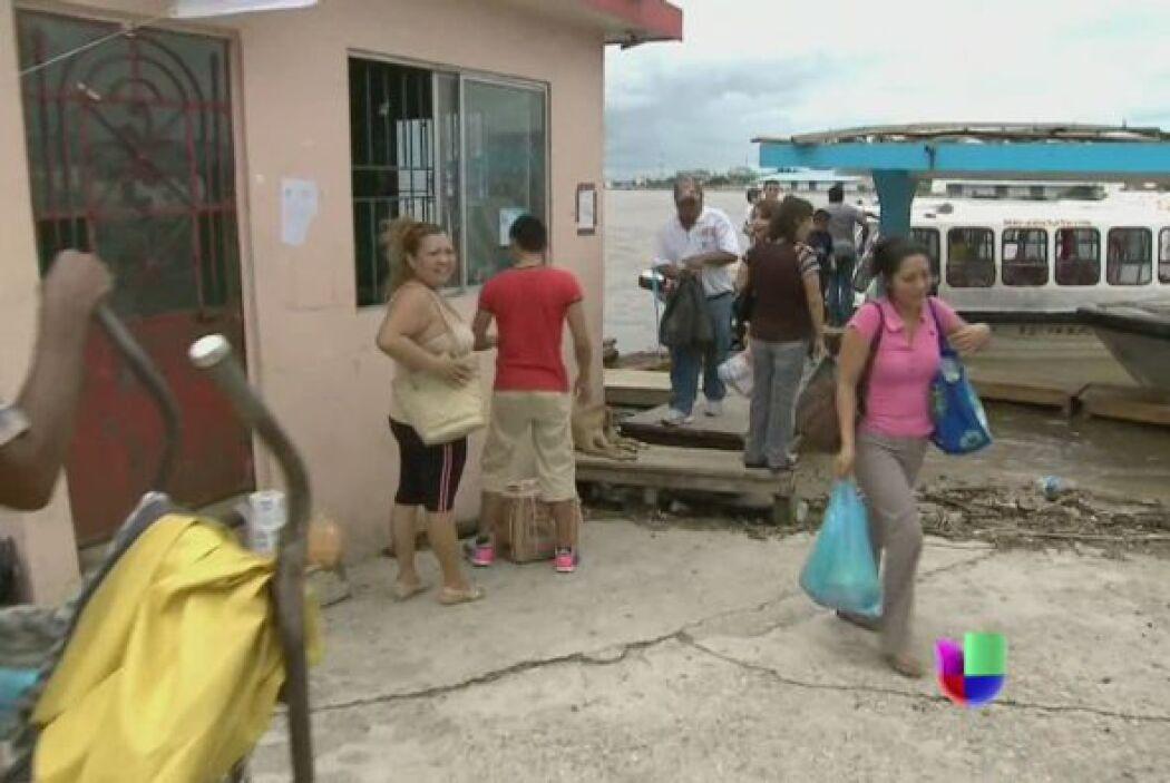 El importante puerto mexicano de Acapulco resultó gravemente afectado. Q...