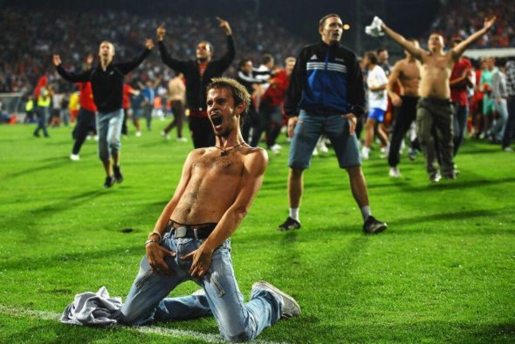 Montenegro le empató a Inglaterra al final del partido y éste hincha tuv...