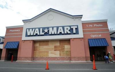 Walmart, la mayor tienda minorista, lanzó una serie de ofertas navideñas...