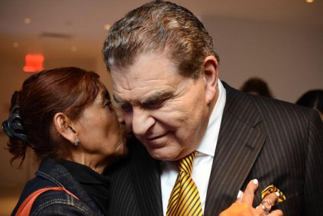 Los abrazos y los besos fueron muestra del gran cariño que el público si...