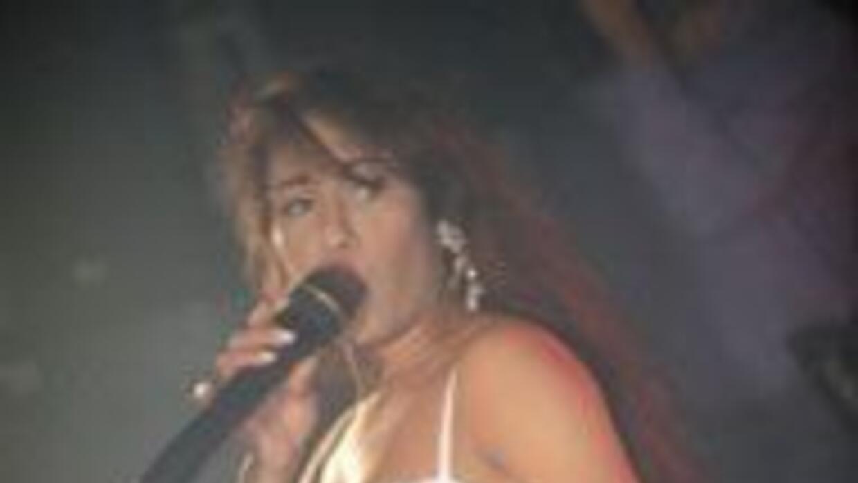 La boca, la voz y la entonación. Claves para imitar a Selena.