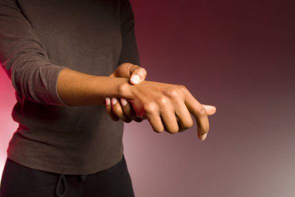 Las manos también deben ser muy cuidadas sobre todo evitar uñas enterrad...