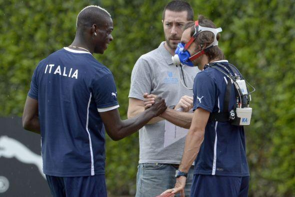 A todos los jugadores italianos se les puso este sistema, aquí vemos a P...