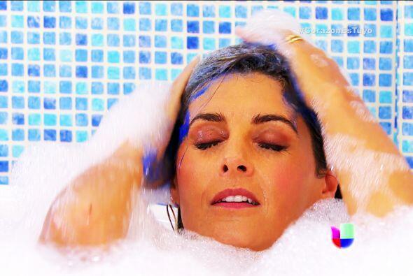 ¿Está rico tu baño Isabela? No queríamos arr...