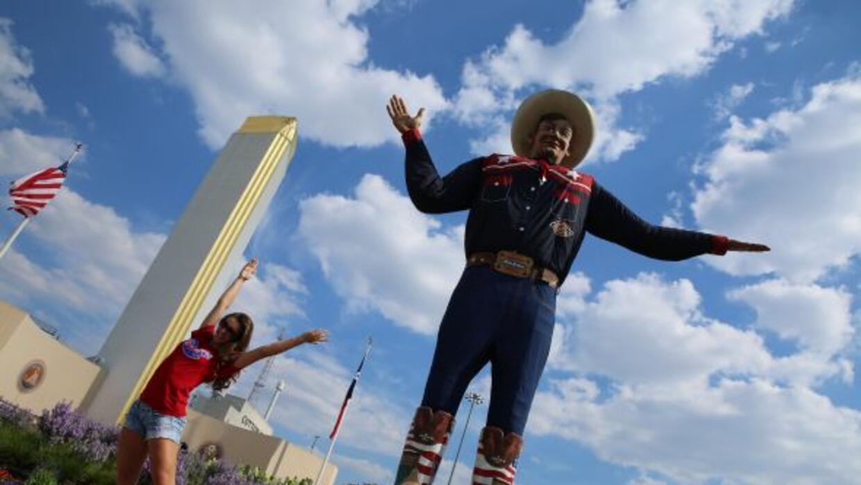 """Rcibe a los visitantes con una grabación del clásico saludo texano de """"H..."""