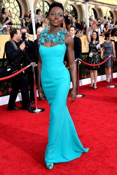Lupita Nyong'o lució un cuerpo espectacular gracias a ese vestido color...