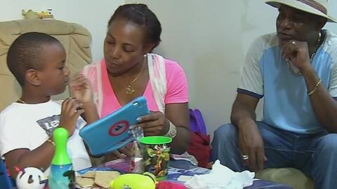 Jet Blue llega a un acuerdo monetario con la madre del niño de 5 años qu...