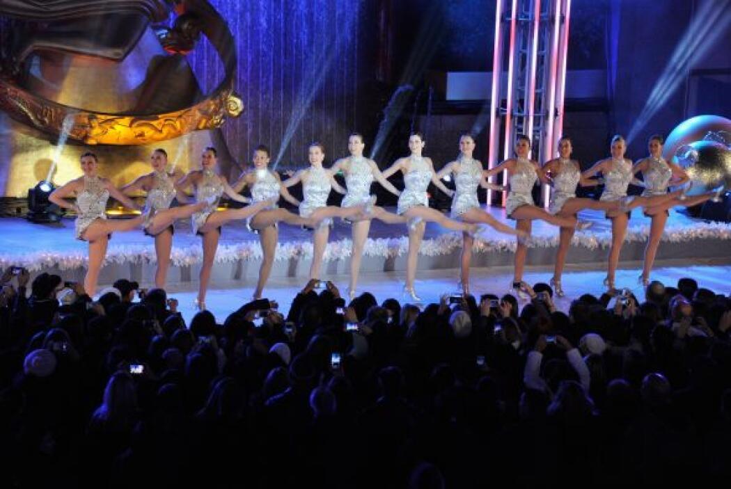 Además, durante la ceremonia tampoco faltó el ya emblemático espectáculo...
