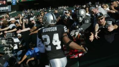 Charles Woodson está feliz con los Raiders.