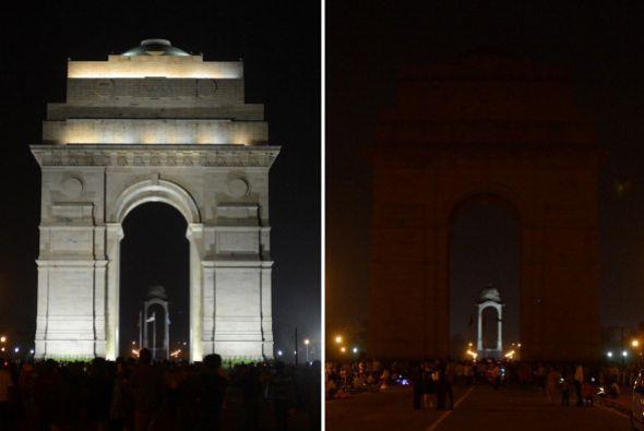 Aquí vemos la Puerta de la India, antes y después de integrarse a este a...