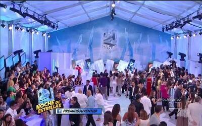 Las estrellas Blanca Soto, Alicia Machado y más llegaron a la alfombra d...