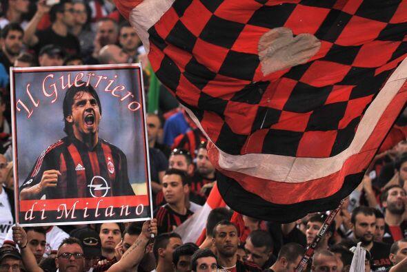Los festejos comenzaron desde los primeros minutos del partido.