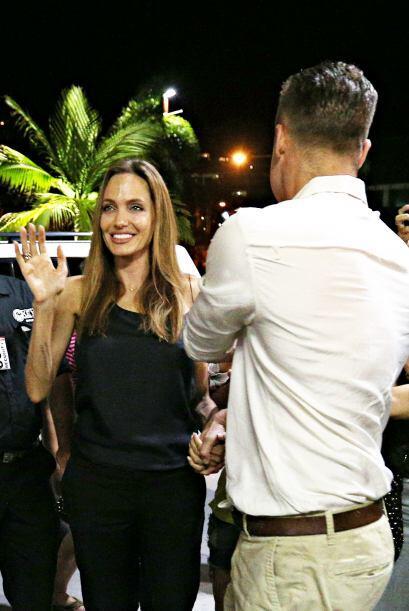 Brad y Angelina no siguieron su camino. Mira aquí los videos m&aa...