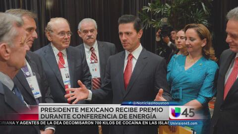 Presidente Peña Nieto recibe reconocimiento en Houston