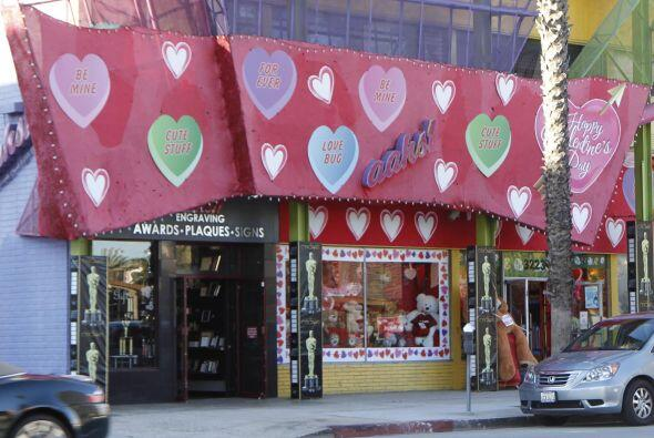Esta tienda está llena de lindos regalos para San Valentín.