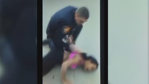 Polémico arresto tiene en pelea a la comunidad de Fort Worth con la poli...