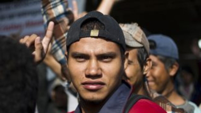 Cuando los cubanos llegan a México, son detenidos por el gobierno para c...