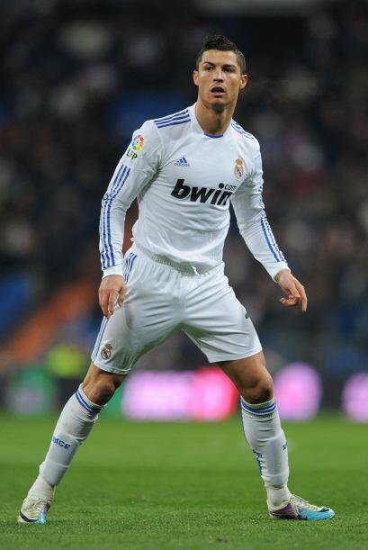 Cristiano Ronaldo  Febrero 5, 1985  Otro acuariano que se mueve con la r...