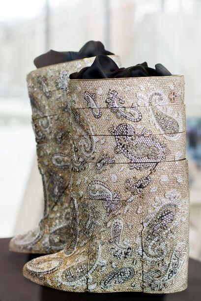 Si tu novia es una amante de los zapatos podrías reenamorarla con...
