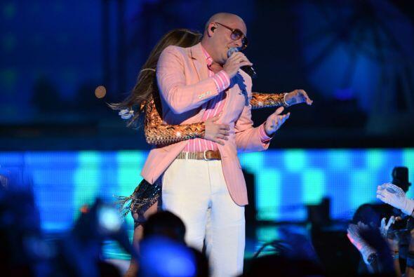 ¡Mano, mano! ¿Dónde está la mano de Jennifer Lopez?