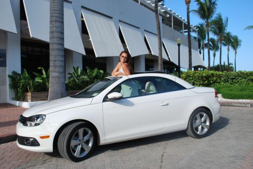 Nastassja nos mostró su nuevo auto, el cual luce tan bonito como ella.
