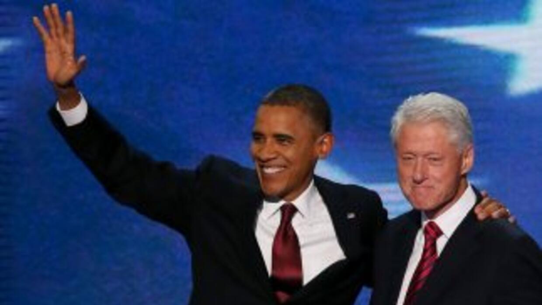 De repente apareció Obama después del discurso del ex presidente Bill Cl...