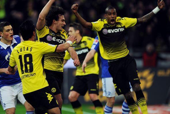 Santana dijo presente al marcar un gol y firmar la victoria del Borussia...