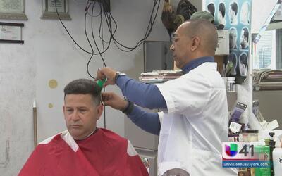 """Barbero hispano de Nueva Jersey: """"Trump puede traer los empleos para muc..."""