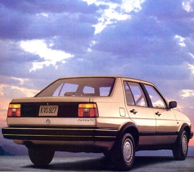 4. Volkswagen Jetta GL: El GL fue la versión más básica del Jetta entre...