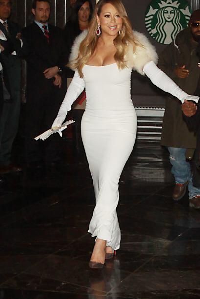 La deslumbrante Mariah Carey hizo una espectacular aparición en e...