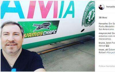 Imagen de Rafael Henzel antes de subir al avión en Santa Cruz de...