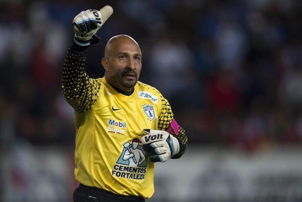 Oscar Pérez es un histórico del arco de Cruz Azul por lo conseguido en a...