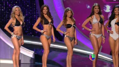 Pasarela en bikini de las 9 participantes que siguen en Nuestra Belleza...