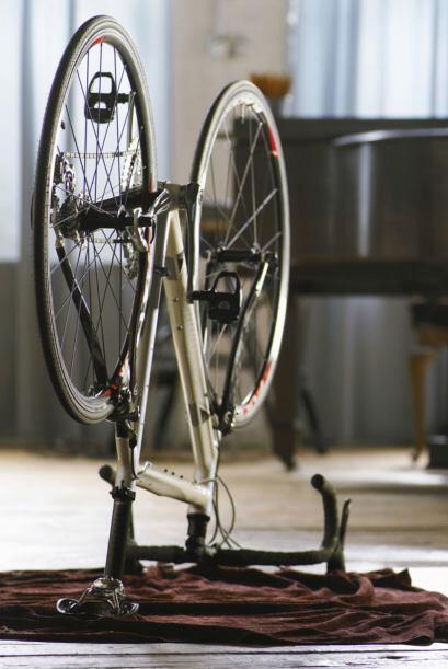 Bicicleta. Si vas a guardar tu bici hazlo donde no esté expuesta al sol...