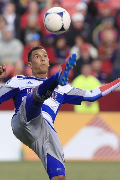 Por Dallas FC Blas Pérez marcó el que acercaba a los texanos.