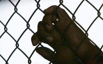 Capturan a tres guardias de una cárcel acusados de abusar sexualmente de...