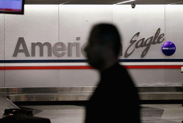 Entre los factores que llevaron a American Airlines a declararse en quie...