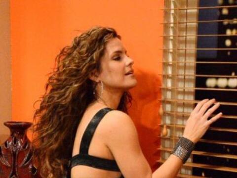 La hermosa Greidys Gil hizo su aparición en Noche de Perros.