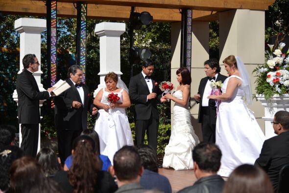 En vivo y frente a las cámaras, tres parejas se juraron amor eterno.