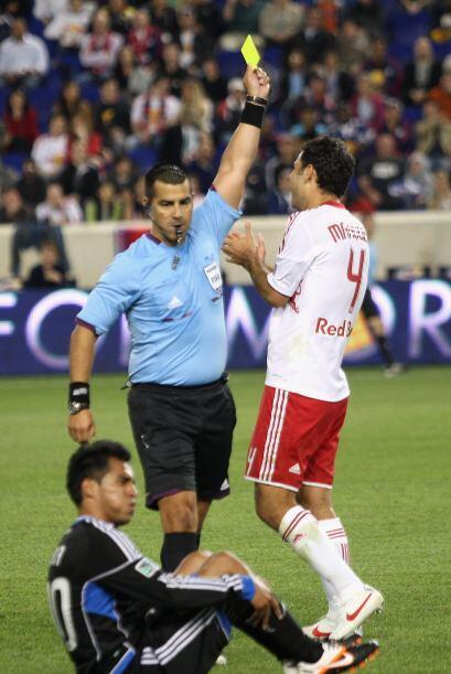 Debido a esa roja, Márquez fue suspendido tres partidos por el Co...