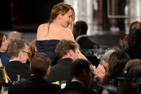 El vestido fue criticado cuando la actriz subió a recibir el premio del...