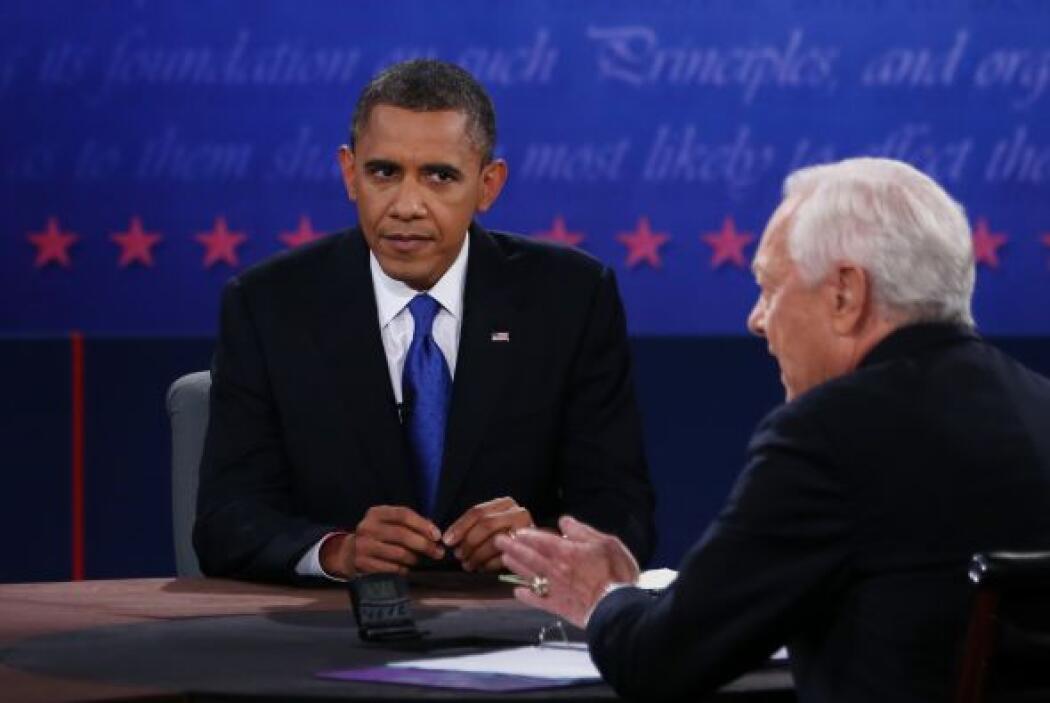 """Obama, por su parte, recordó que su estrategia se basa en """"mantener a sa..."""