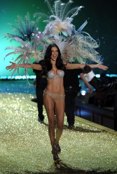 En 2010 Adriana Lima lució una de las joyas de la prestigiada firma.