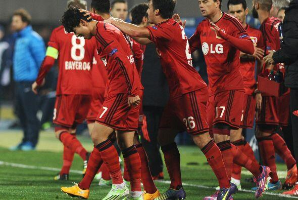 El Leverkusen derrotó 2-1 de visitante al Zenit y son líde...