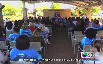 Organizaciones conmemoran a las víctimas de abuso infantil en Texas