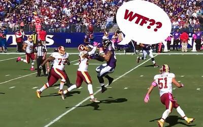 Cascos volando y balones perdidos, entre las jugadas ¡WTF! de la NFL
