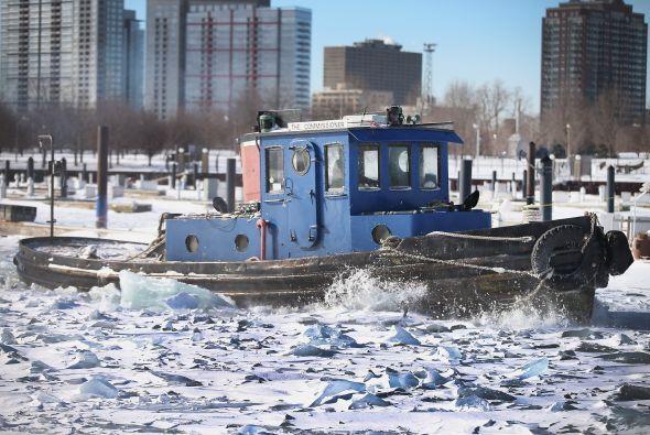 Luego de la caída de sobre 8 pulgadas de nieve en zonas de Chicago ahora...