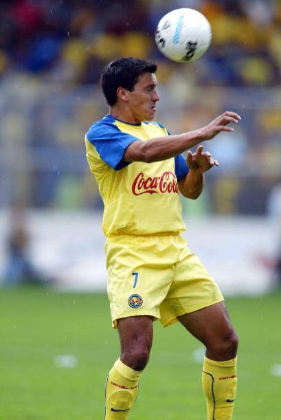 Franky Oviedo y Hugo Norberto Castillo fueron los azulcremas expulsados,...