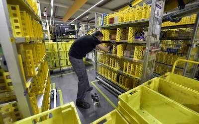 La empresa fundada por Jeff Bezos pasó de 30,000 empleados en 201...