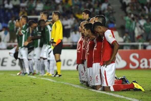 En la definición por penales en la llave entre equipos colombianos de la...